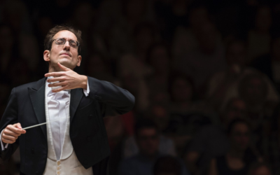 Pablo González, recognized as one of the most versatile and passionate conductors of his generation