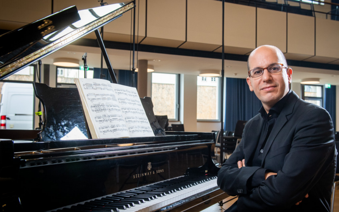 Alfonso Gómez publishes «Vingt regards sur l'Enfant-Jésus» by Olivier Messiaen